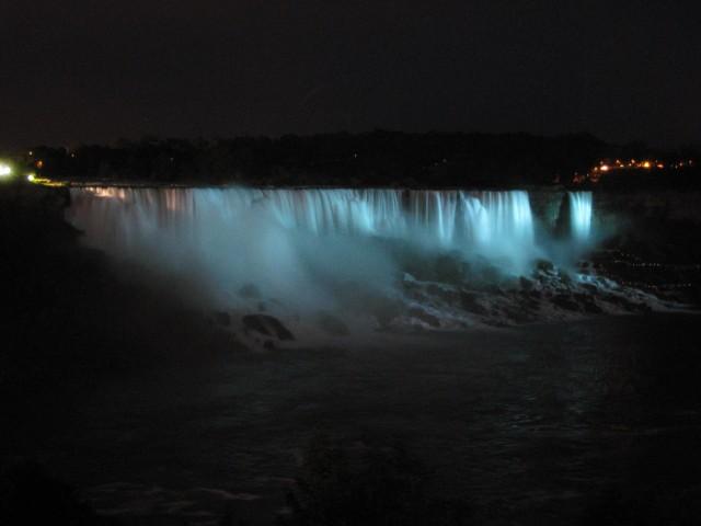 Niagara Falls (Bridal Veil) at night