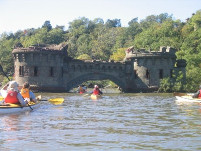 approaching the beach of Bannerman's Castle