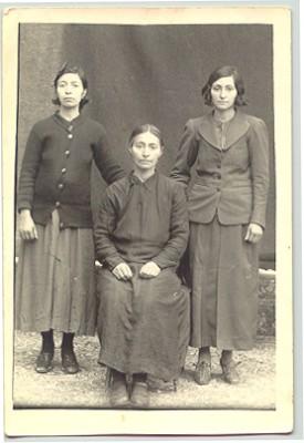 farochi women