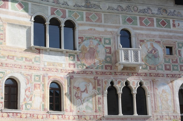 More frescoes in Spilimbergo.