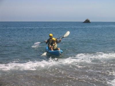 kayaking around Santa Cruz island