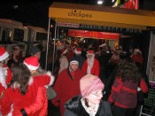 we bumped into a rowdy santa convention (loitering outside a bar, no less)