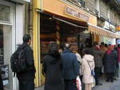 waiting patiently for the best croissants in Paris (Maison Kayser)