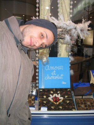"i would've gone with ""L'amour c'est chocolat."""